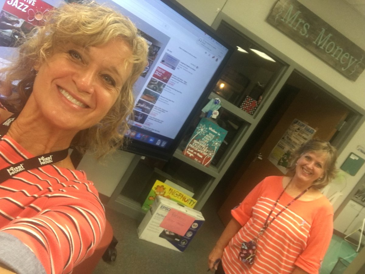 """Orange"" you glad school is back in session? WE are! #MISDProud ⁦@Longbranch_Elem⁩"