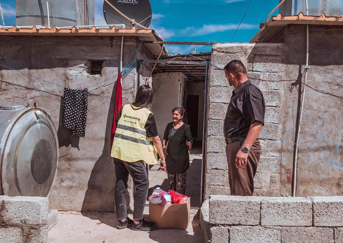 Emergency Refugee Support. In last 24 hours we have delivered over 40 TONNES of food to the #Syrian refugees in following camps in Kurdistan : #Bardarash #Domiz1 #Moaaskar #Zakho & #VarCity ! @undpiniraq @WFP_Iraq @ukinerbil @KRG_UK @FahmiSozan