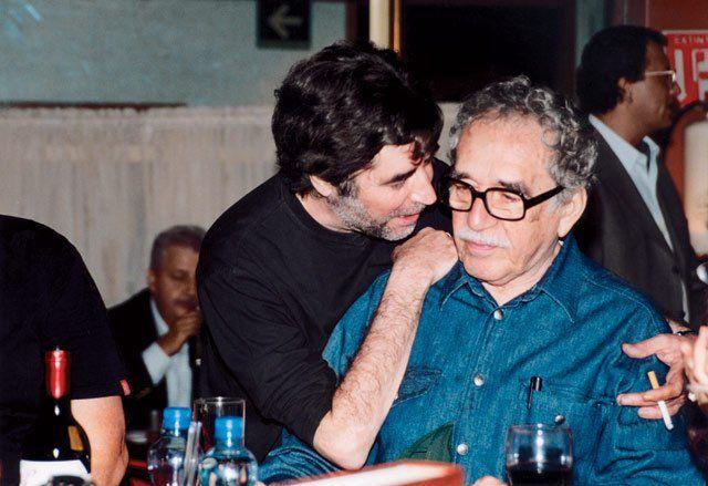"""""""En Macondo comprendí que al lugar donde has sido feliz no debieras tratar de volver"""". """"Peces de ciudad"""", Joaquín Sabina 📷Joaquín Sabina junto a García Márquez https://t.co/es9OLTNQul"""