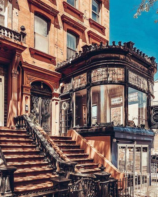 #Architecture Awesome of the Day: Italian-Style #Victorian Rowhouse Residence 🏠 in #Brooklyn #NewYork #USA 🇺🇸 via @HousesVictorian #SamaPlaces 🗺️