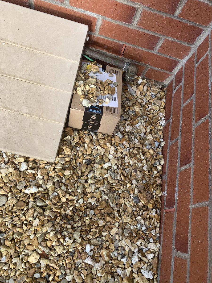 Thanks amazon for hiding my parcel https://t.co/7NpNJ3J9pU