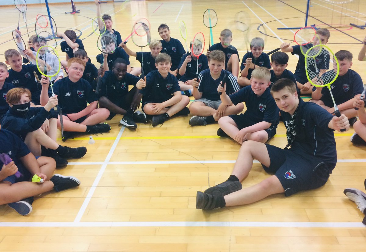 Great lesson today with these year 8 gents. Focus on developing Communication through Badminton. 🏸 🏸  @BurtonBorough 🐟🐟🐟 https://t.co/x21oi5Zufv