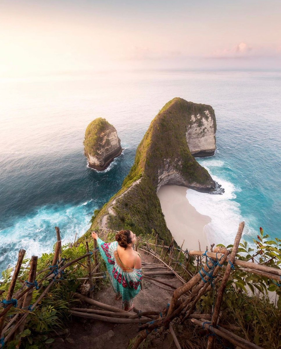 Nusa Penida, Indonesia  via: timphilippus https://t.co/Yg9pXQFAYY