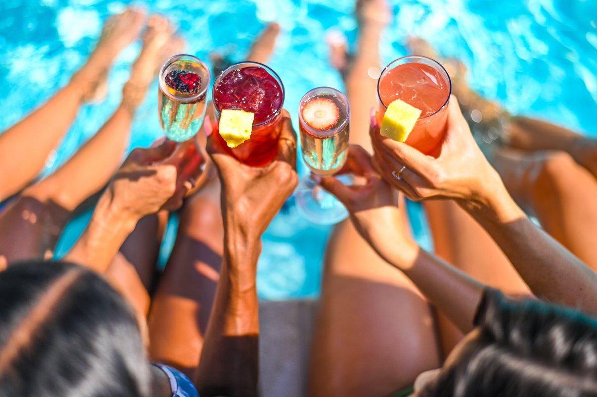 Drinks taste better by the pool! ☀️ https://t.co/9EHahvE1k5