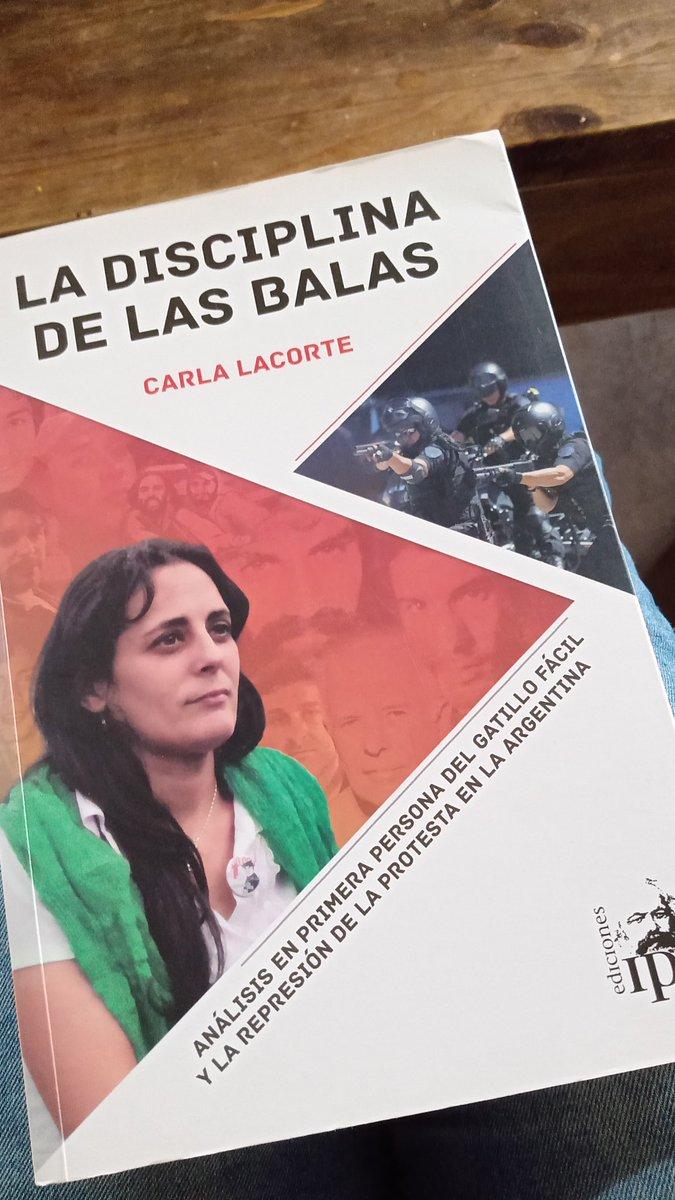 Gracias @ValeriaMachluk . Vos que aportaste en la edición de este libro sabes bien que se tocan muchos temas que hoy se vuelven a discutir @Ediciones_IPS  La disciplina de las balas https://t.co/uzknjpn4wb