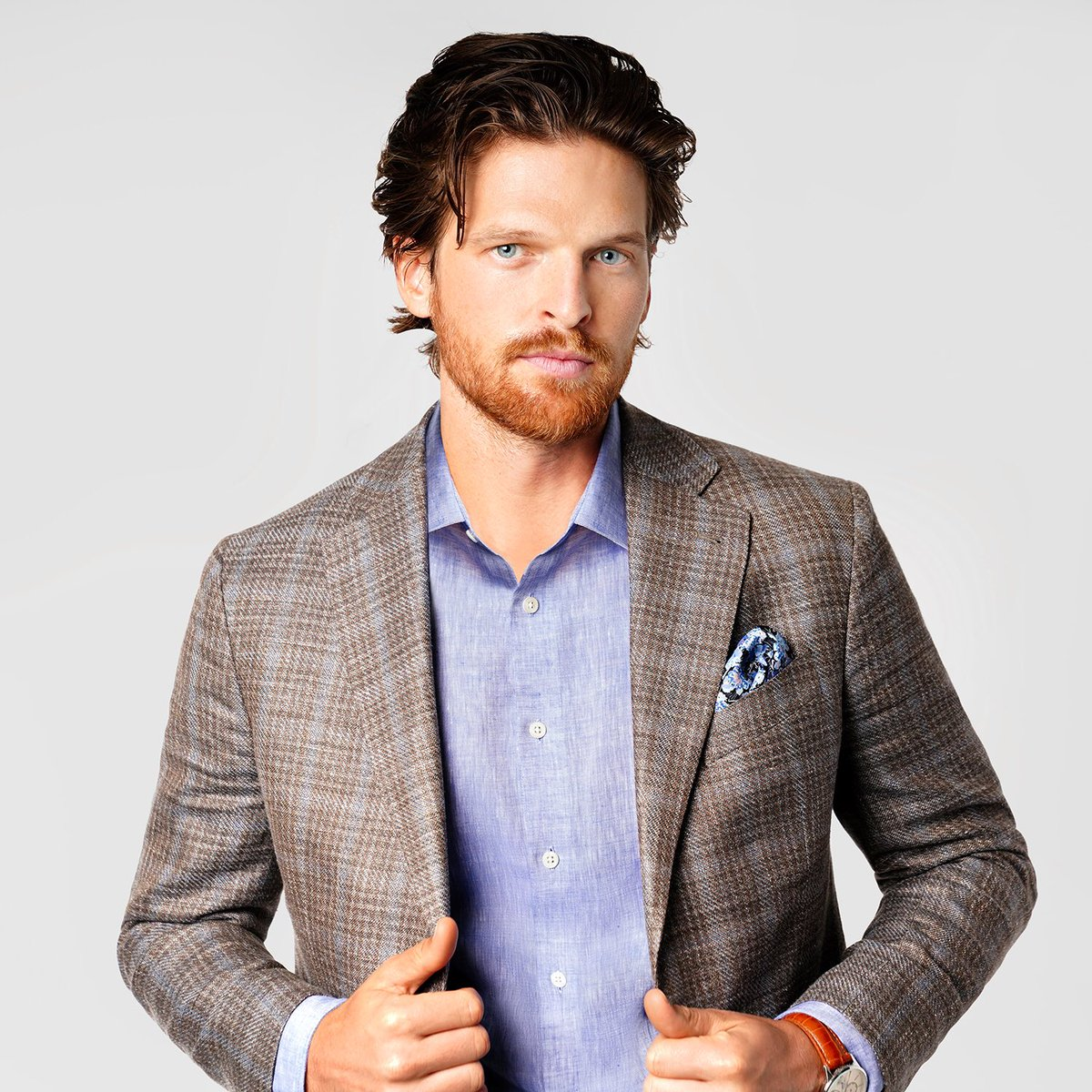 Quality Meets Style | This #JosephAbboud sport coat is crafted from fine Italian fabric with a plaid pattern that provides subtle texture and depth. Get this must-have layer from @menswearhouse https://t.co/DSDpijLRNt