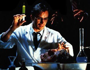 Happy birthday to Jeffrey Combs who turns 65 today!!!
