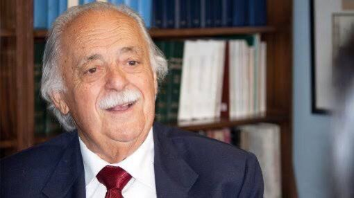 The passing on of Advocate George Bizos is a sad development indeed . A true humanist & trail blazing lawyer . We thank him for sterling work in the Rivonia Trial & President Tsvangirai s treason trial .The world has truly lost a champion Human Rights Defender #RipGeorgeBizos
