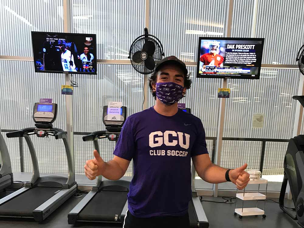 Not waiting on the weight room! @GCU_WClubSoccer & @GcuClubSoccer develop strength, fitness AND a positive culture in one virtual package as they start the new academic year! Read on: https://t.co/7AI3ZzoB86 #LivetheLopeLife #LopesRising https://t.co/bRKgKoL5q1