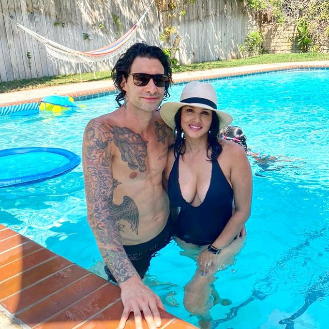 Best thing about LA is the sunshine ☀ and this guy...lol @DanielWeber99 😜 https://t.co/Fkuu6HuaAw