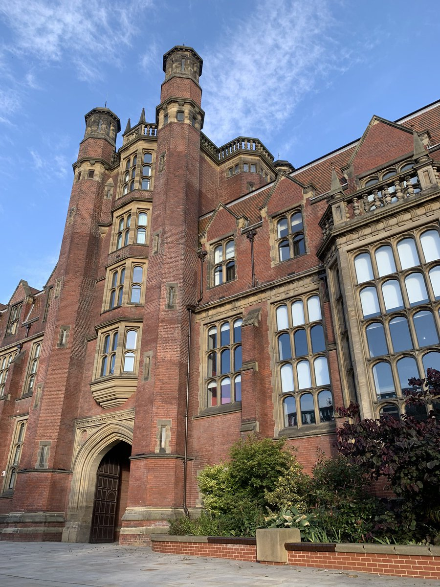 The campus @UniofNewcastle is lit in beautiful September sunshine today. #NiceToBeHere https://t.co/KQyf9avngn