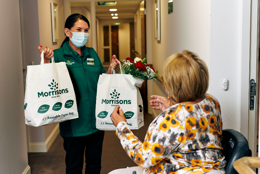 #MiltonKeynes @Morrisons and @McCarthyStone have partnered to extend the supermarket's doorstep delivery service into the nation's #retirement communities.   Read more here 👇 https://t.co/xMXcLpCsLM  #MKNews #BusinessNews #Morrisons #McCarthyAndStone #RetirementLiving #MK https://t.co/f4nvkeZYGV