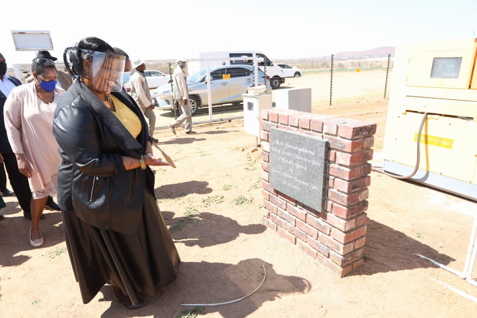 """I'm happy to see young people spearheading the Ikosi Sizangakhona Village Feedlot project"" - Hon. Deputy Minister Mme Hendrietta Bogopane-Zulu #NHTLVisit https://t.co/Qykl9MuK2g"