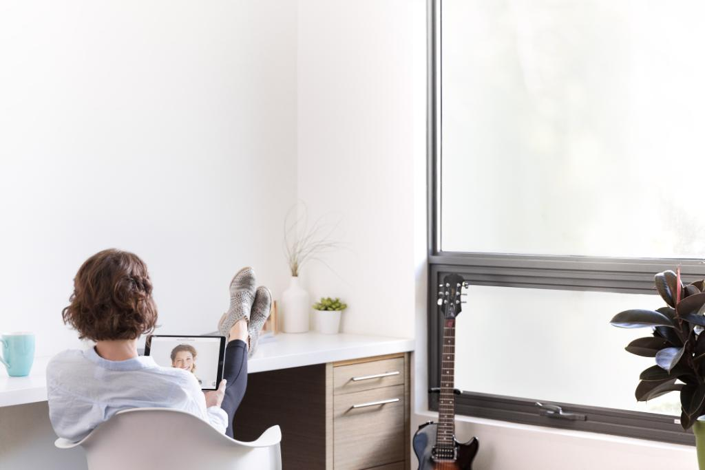 Take time to acknowledge that there is a start time and an end time to your working day. #WFH @Cisco @CiscoCollab and @Webex are reminding our employees to do just that: https://t.co/JdeGIScvUc https://t.co/e4qAx94XuV
