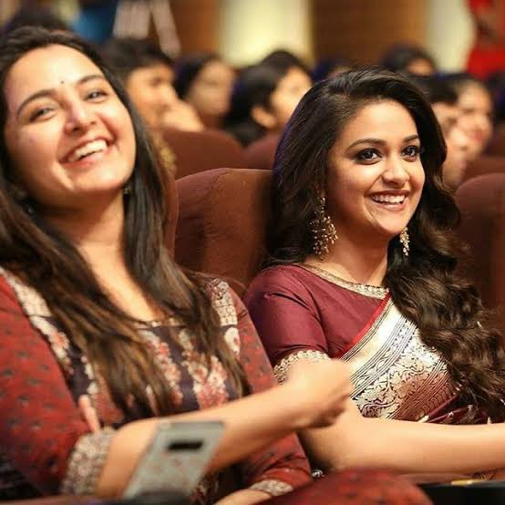 Happy Birthday @ManjuWarrier4 chechi! Wishing you a blessed year ahead 🤗❤️  #HBDManjuWarrier https://t.co/F8WouQ8BY6