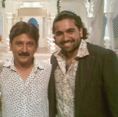 Happy birthday @Ramesh_aravind sir... an amazing actor, a brilliant technician and a wonderful human... have a great year sir..  #HappyBirthdayRameshAravind https://t.co/Di0gJbkGBy