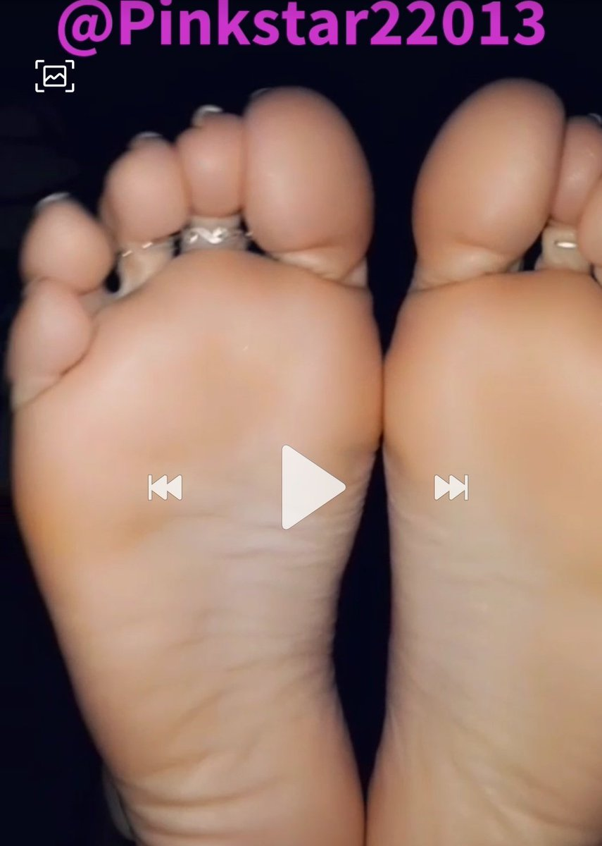 Good afternoon! See the video on my onlyfans, So close you can almost taste them!! 👅 #ukfinestfeet  @BritFootBabes @promocucky @promo_bdsm @RT4feet @CamgirlFeet @womenruleonly @rtthemtoes https://t.co/zarkSjBlq7