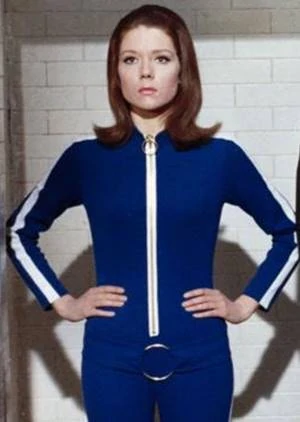 "Circa the GoT s3 premiere, I found myself in an elevator w/Dame Diana Rigg, wrapped from head-to-toe in wool to stave off a bad cold. ""I'm looking for the chemist,"" she told me. ""I believe his name is... Duane?"" RIP to an absolute legend, from her first big TV role to her last. https://t.co/G961qMZp3B"