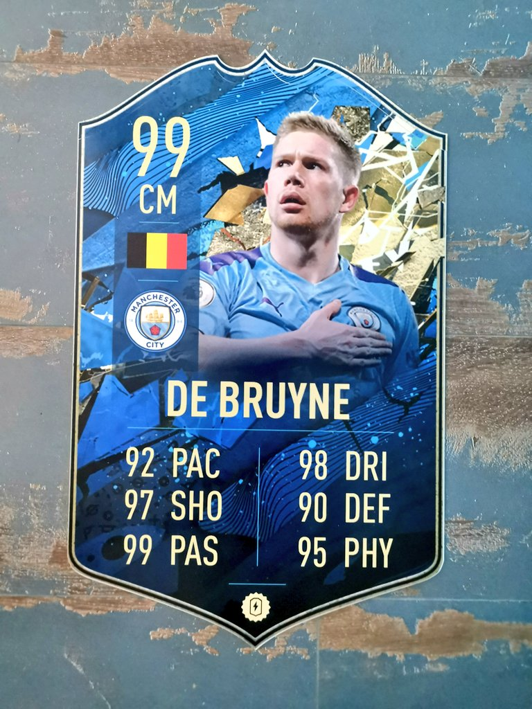 ⚠️FIFA GIVEAWAY⚠️  A3 DE BRUYNE  🇧🇪  To Enter - RT This Tweet - Follow @FootCard - Tell us why you want to win  Good Luck🍀 #giveaway https://t.co/n9Dyipp1Ud