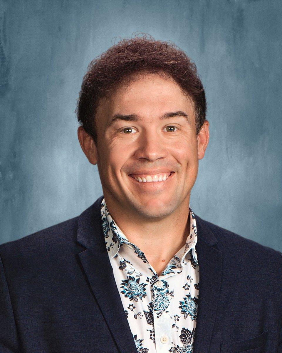 I got my school photo! New profile pic coming up! https://t.co/q3NhdX3aqL