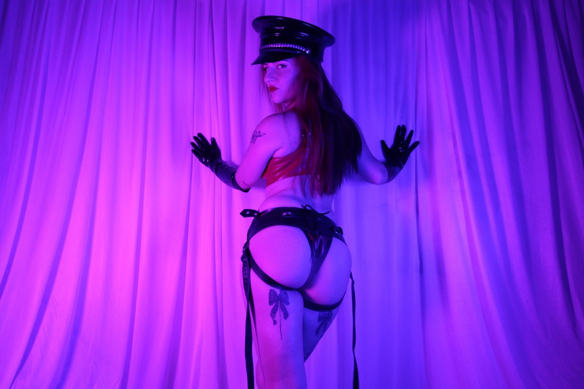My Clips4Sale store has hundreds of full length videos for you to salivate over... https://t.co/ZWcB95AIWj https://t.co/nwxhDN9VH3