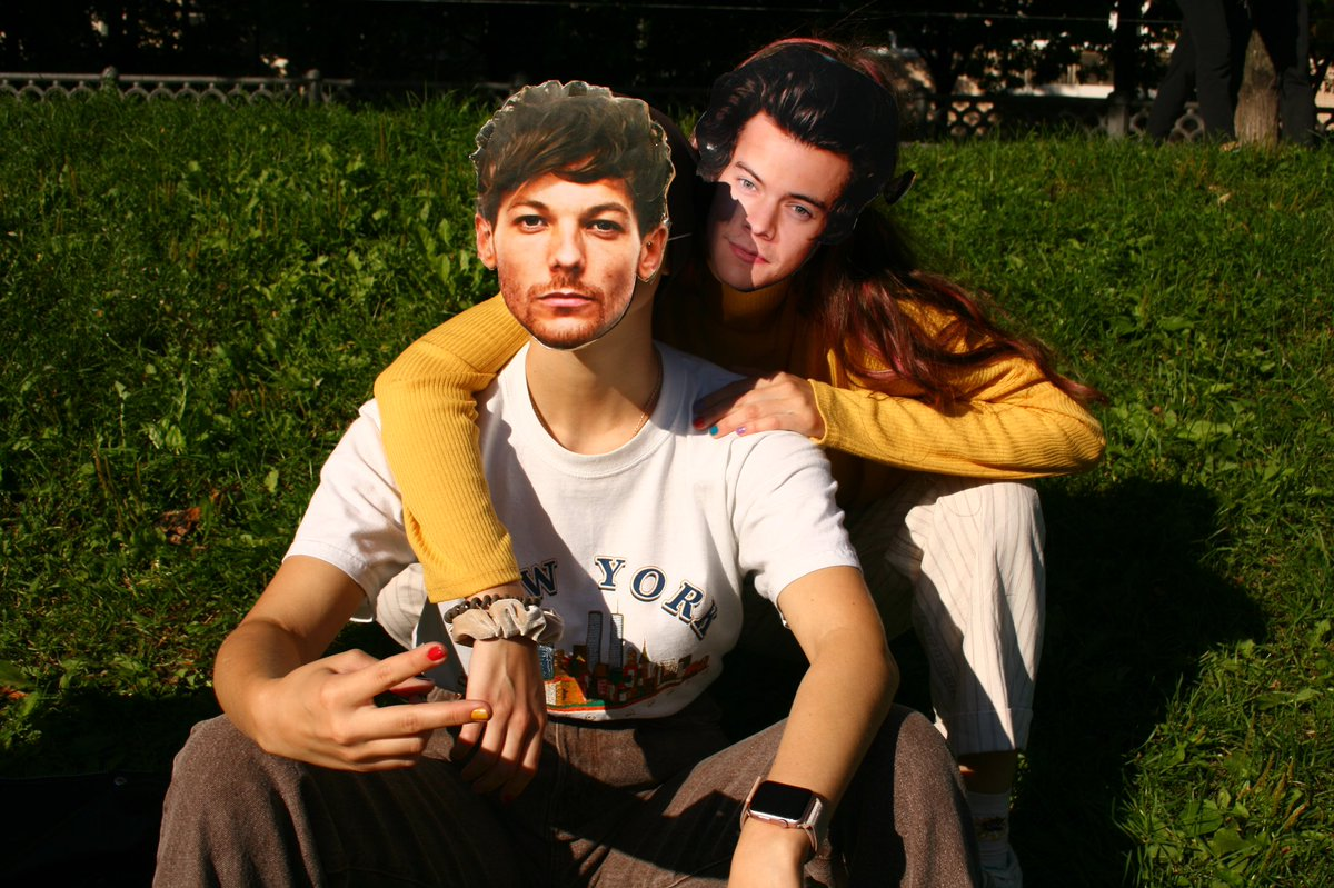 family :) @Louis_Tomlinson @Harry_Styles #ilovethislove