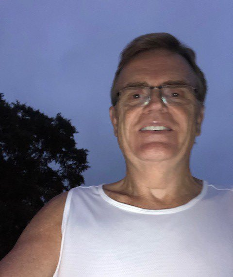 """.@UPS Executive Chairman of the Board David Abney ran 9.11 miles this morning as part of @UPSers' """"United in Purpose & Strength"""" @911PromiseRun team. Check out these awesome before and after selfies – what an incredible start to the day! #UPSwillneverforget 🇺🇸📦🏃♂️"""