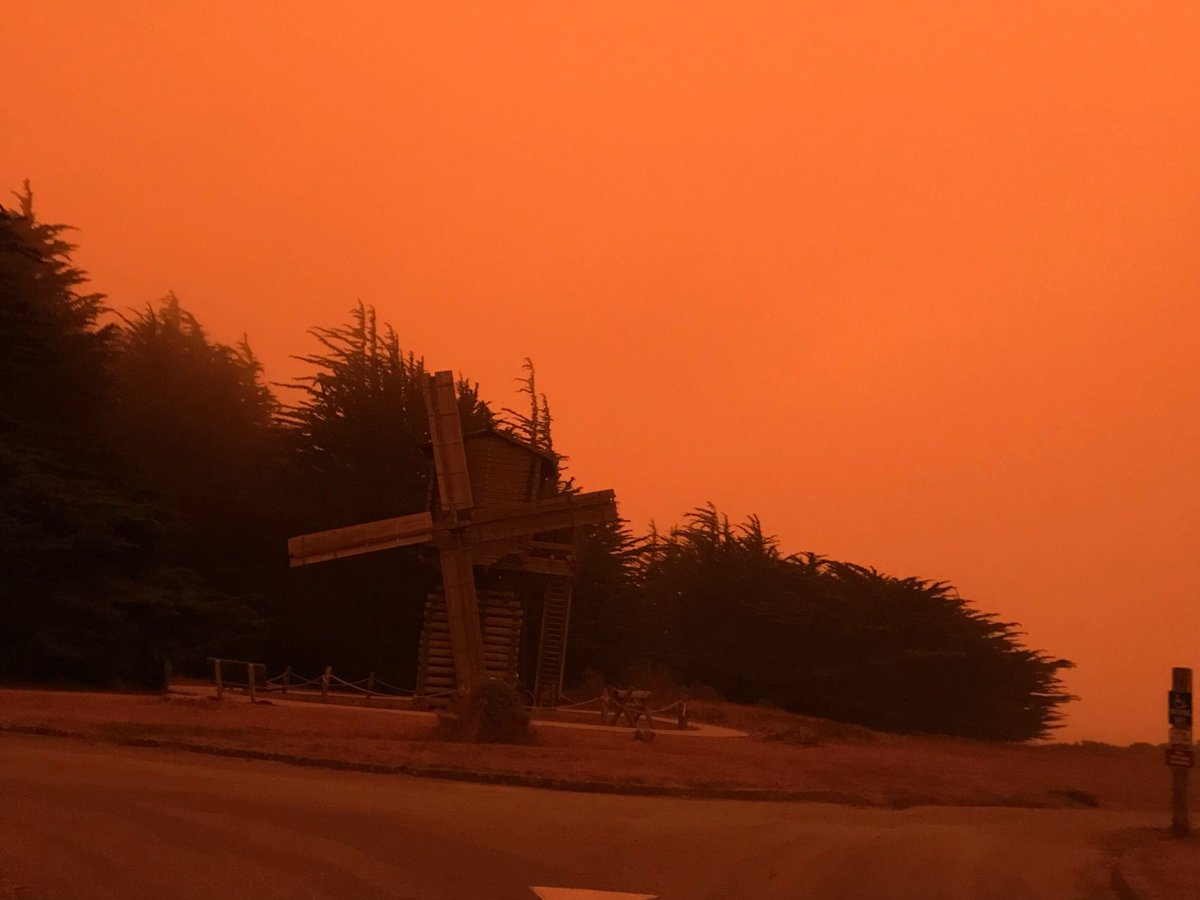 Thinking of our #SeaGrant friends across the West Coast and all impacted by the fires in their communities. @CASeaGrant @USCSeaGrant @OregonSeaGrant @WASeaGrant