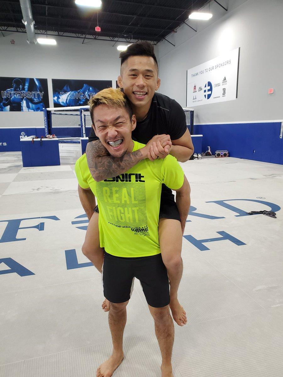 午前中はドリル!! ニューエン戻ってきました!!😁  My brother @MartinNguyenMMA is back at the gym!💯 https://t.co/OyRoKKl2Hm