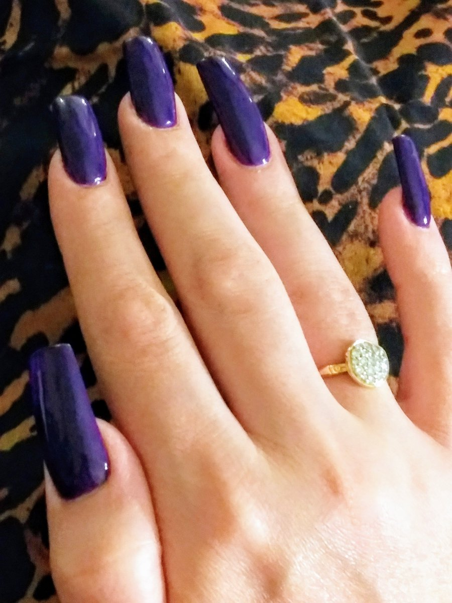 Manicure in Chanel's Sunrise Trip☀️💜#fetish #nailart @rt4_sex @RTcommuter @rt_sissy @lelecheurdepied @flf4mg @DCDominatrixes @servantnj https://t.co/wmZg4WfoIm