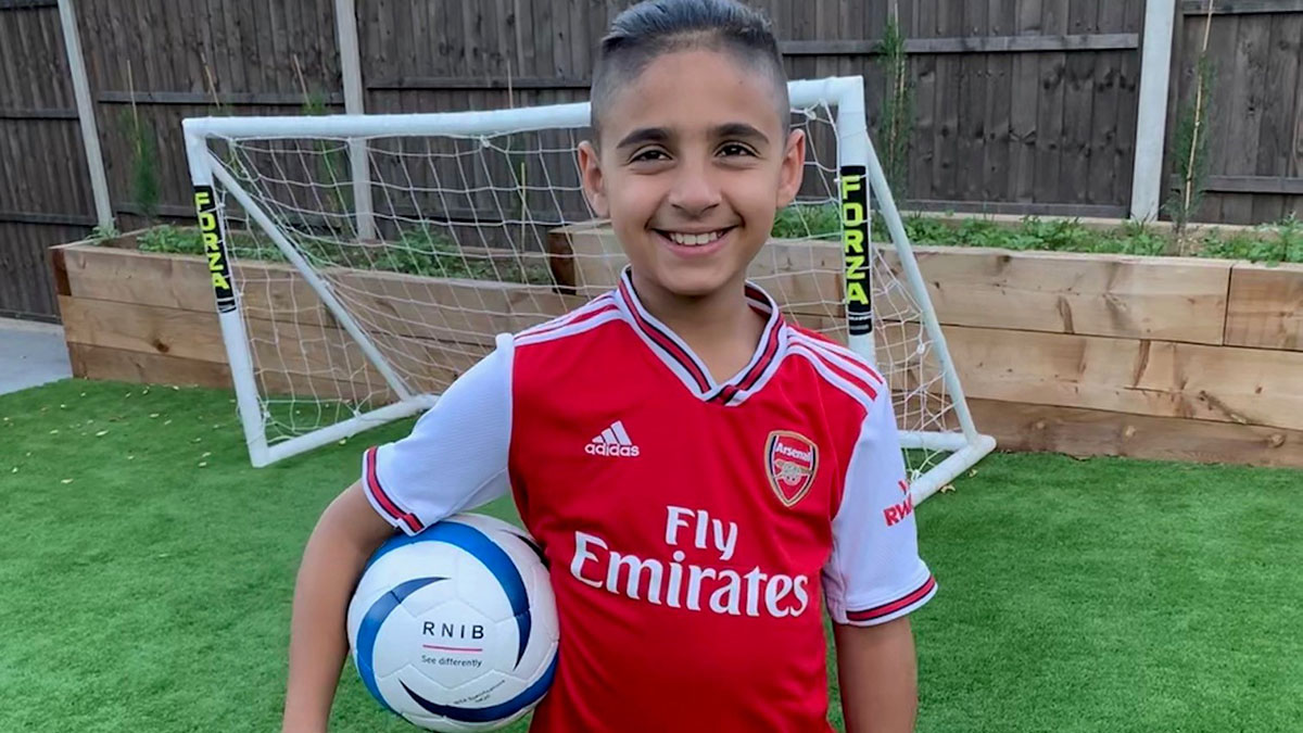 Amazing ten-year-old blind footballer @MikeyPoulli has been chosen by Lionel Messi for his 'dream team' of blind and partially sighted youngsters from around the world! ⚽ https://t.co/3ewVOnvpHX https://t.co/6LqYbKSZBk