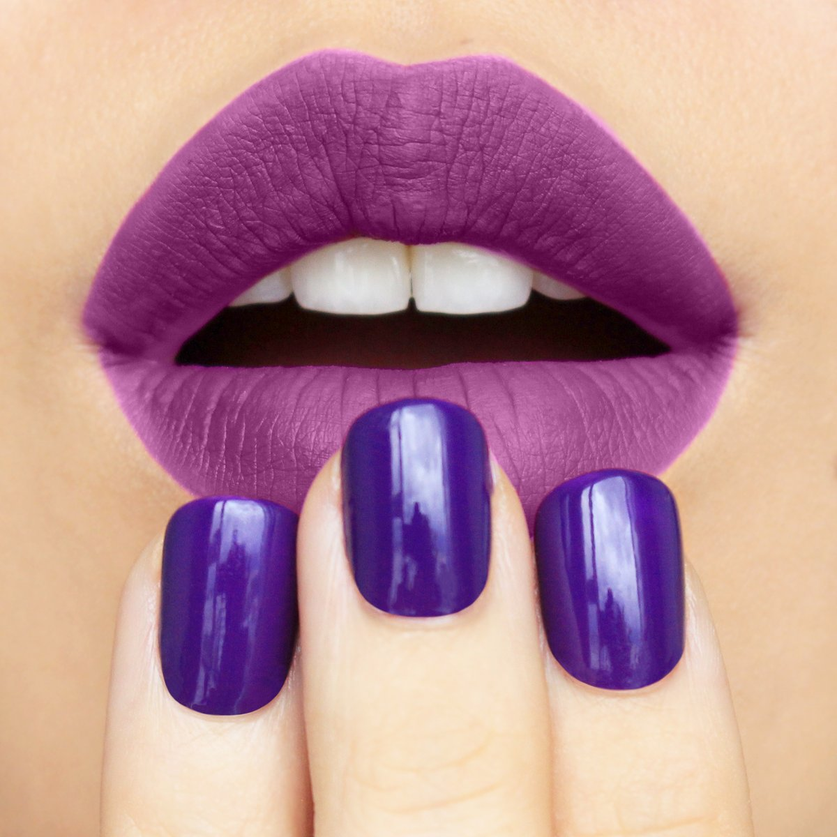 Peep this unmistakable combo of Purple AF Nail Glam & OMG Violet Permanent Pout &  then let us know if you feel tempted to make it POP yet..😉 #POPbeauty #MakeItPOP https://t.co/abbBwbkRxY