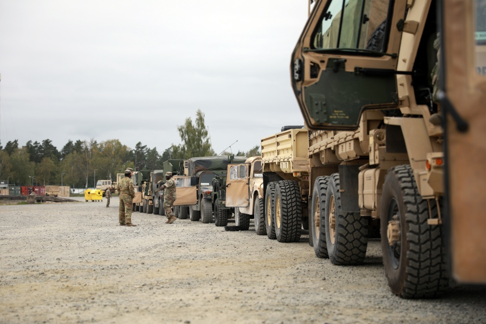 Time to head out! @USArmy soldiers line up vehicles in a motor pool to convoy to Hohenfels Training Area in Germany 🇩🇪 for exercise Combined Resolve XIV.