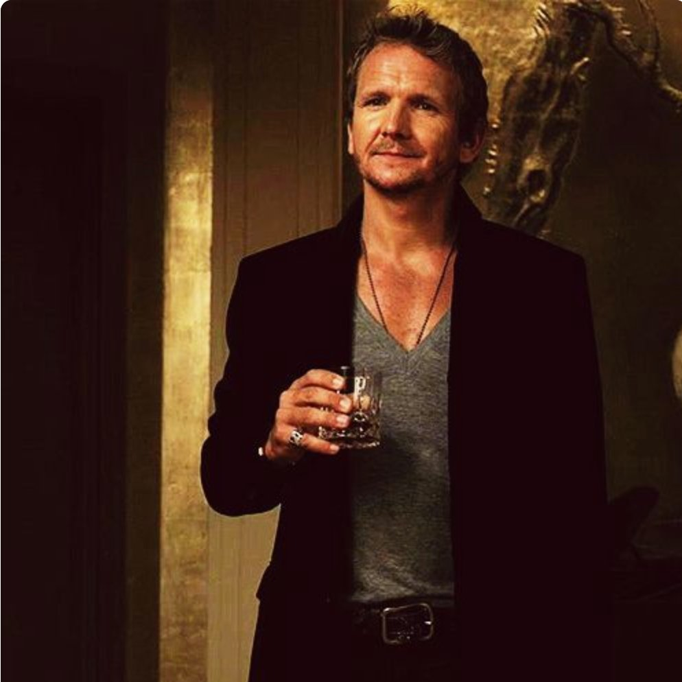 "Sebastian Roché on Twitter: ""Congratulations #Supernatural on ending your  run of 15 seasons, it was such a pleasure to play a small part in this  great adventure and the friendships that ensued,"