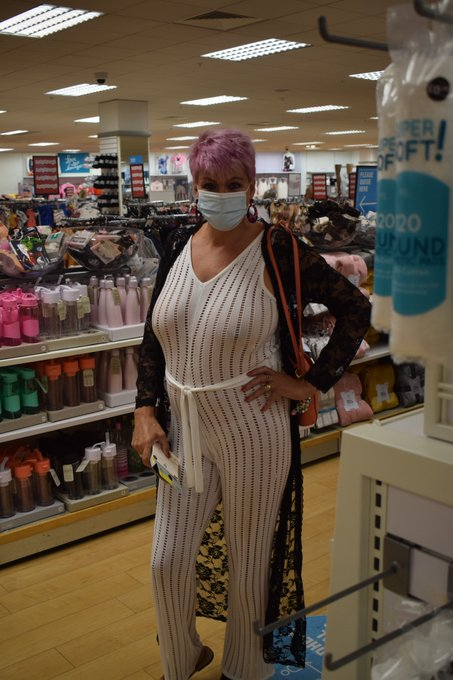 Out shopping today wore my mask but forgot my bra LOL https://t.co/vkDv0NNFZw