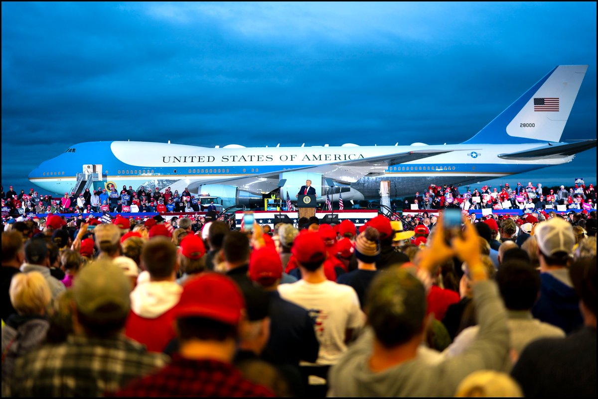 .@realDonaldTrump speaks to supporters during a campaign rally at MBS International Airport in Freeland, MI. https://t.co/WjChszbULF