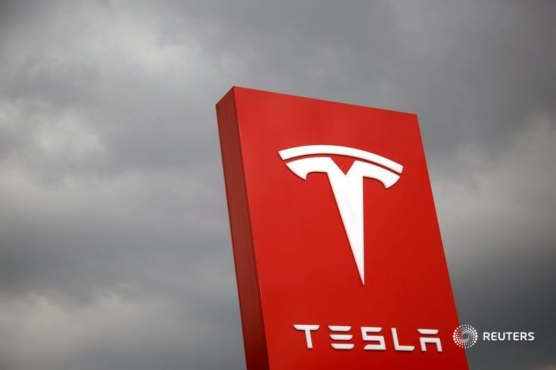 The recent decision not to include Tesla in the S&P 500 Index highlights subjective rules about factors like profitability. It's hardly passive investing, writes @Three_Guineas. https://t.co/P54XmaDNGX https://t.co/WoY7pyoM6V