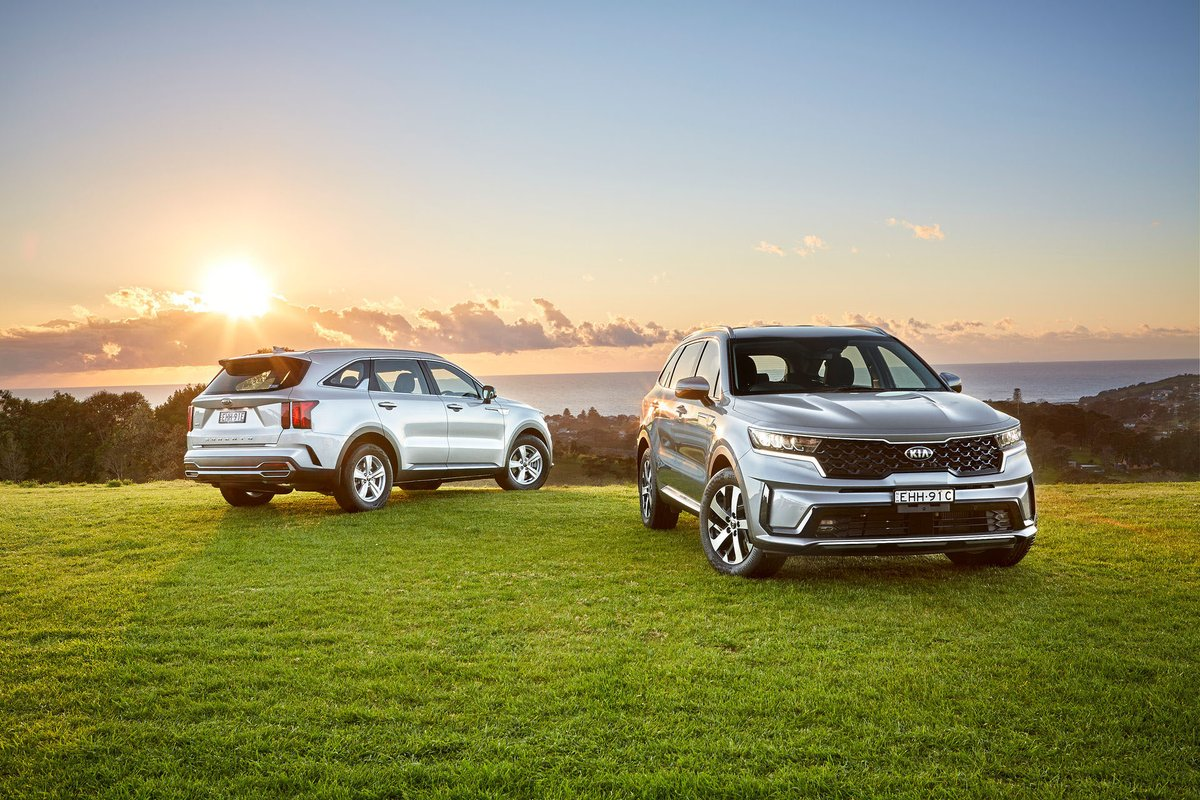 International News: See The New 2021 KIA Sorento From Every Angle As It Lands In Australia With Two Engines #KIA #kiaaustralia #KiaSorento #NewDesign #PowerToSurprise #LookingSharp #Carscoop https://t.co/5UJg4gGCaG https://t.co/HYKrKyfBTh