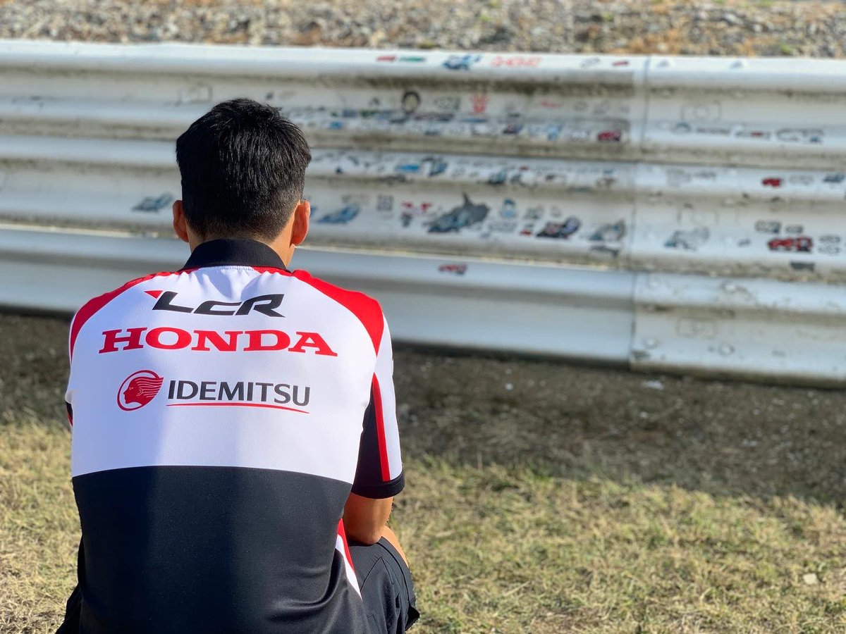 いつも見守ってくれてありがとう! 早く表彰台に上がらないとそろそろ怒られるな。 またレース後に行くね   Hello my friend. I'll come again after the race   48 Important race for me! #SanMarinoGP #ShoyaTomizawa