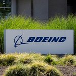 Image for the Tweet beginning: Boeing in talks with FAA