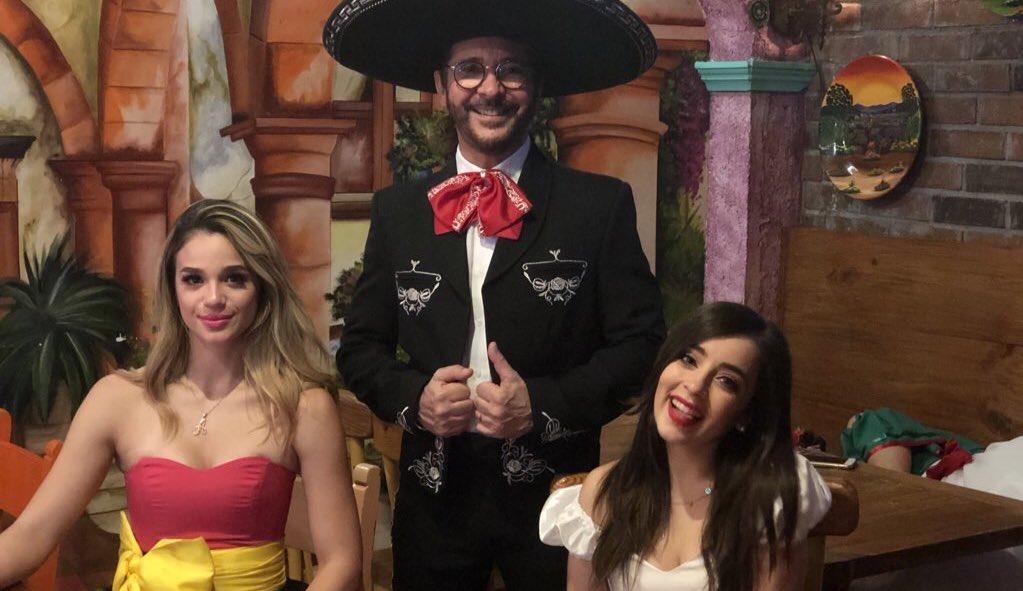 Próximo martes 15 de Septiembre te invitamos a ver un programa especial muy mexicano...  La Fiesta Mexicana Regia! 10:00 PM Canal 4 y 8  Aquí habrá grito, baile, risa y mucho, mucho VIVA MÉXICO! https://t.co/BXZxvVCrC1