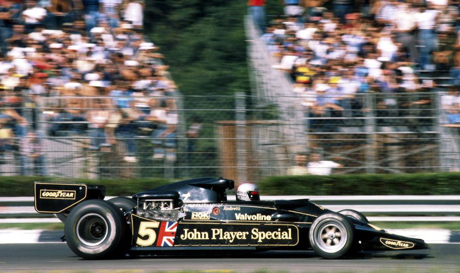 Andretti won 12 #F1 GPs, including the #ItalianGP #OnThisDay in '77. It remains one of his most treasured wins, at his beloved Monza, in the gorgeous Lotus 78 (which he preferred to the championship-winning 79), beating the red cars on home soil (Lauda's Ferrari 312T2 was 2nd). https://t.co/U4l8L56PMX