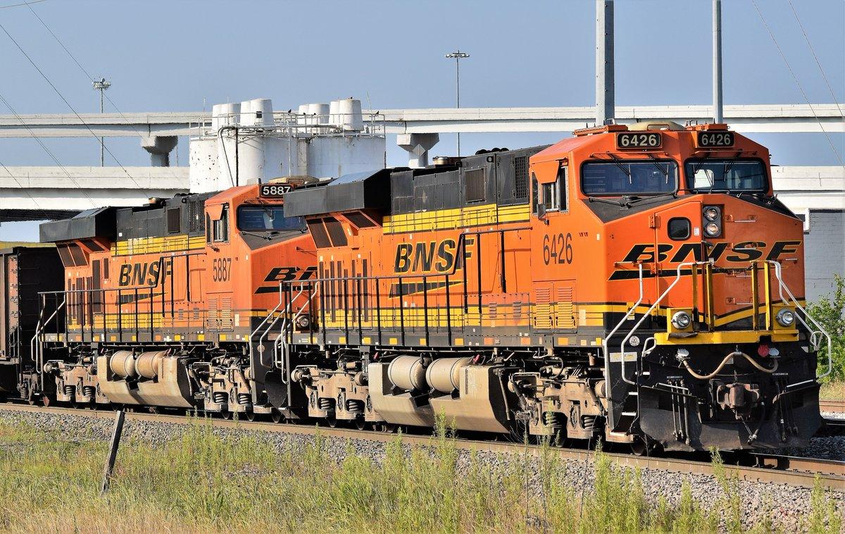 A pair of @BNSFRailway  GE-ES44AC's serve as DPU's on this empty coal train heading north through Tower 55 in Fort Worth, Tx. #Train #Trains #Railfanning #Railroad #Trainphoto #Trainphotography #Railphoto #Railphotography #Trainphotos #Railphotos #Texas https://t.co/dmf3LbJ1PO