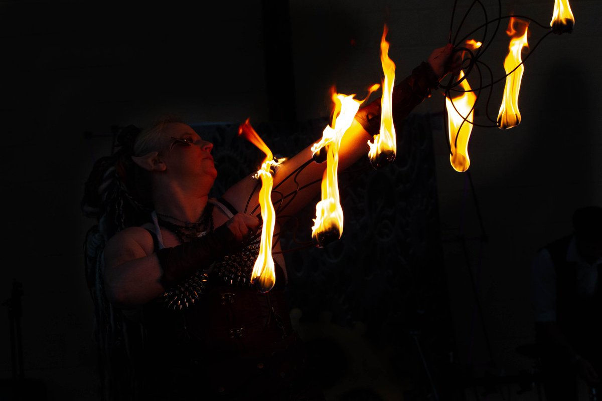 Steampunk Pirate Fire Performer  #Fairytale #characters #steampunkcosplay  #steampunk #performers #Entertainment #steampowered #freyjafairy #costumeplay #pirates https://t.co/OIJ6Czt5Pb