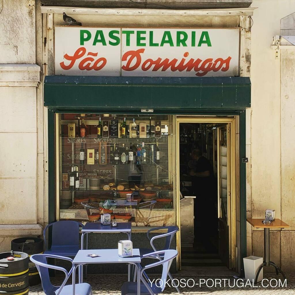 test ツイッターメディア - 昔ながらのリスボンのカフェ。ポルトガルは未だ昭和の雰囲気が漂っています。 #リスボン #ポルトガル #カフェ https://t.co/D76sOo3NM4