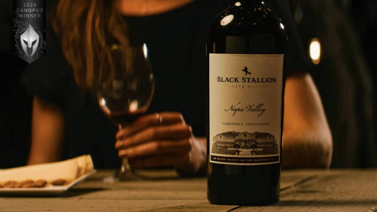 𝟐𝟎𝟐𝟎 𝐂𝐚𝐧𝐨𝐩𝐮𝐬 𝐖𝐢𝐧𝐧𝐞𝐫 🇺🇸  Black Stallion Estate Winery, Unforgettable Wines by Affinity Creative Group  Affinity Creative Group captured the depth and brilliance behind Black Stallion wines: https://t.co/8zY5eaz1ih  Enter today: https://t.co/saWmxhXQ98  #vega https://t.co/UmIICUlw0R
