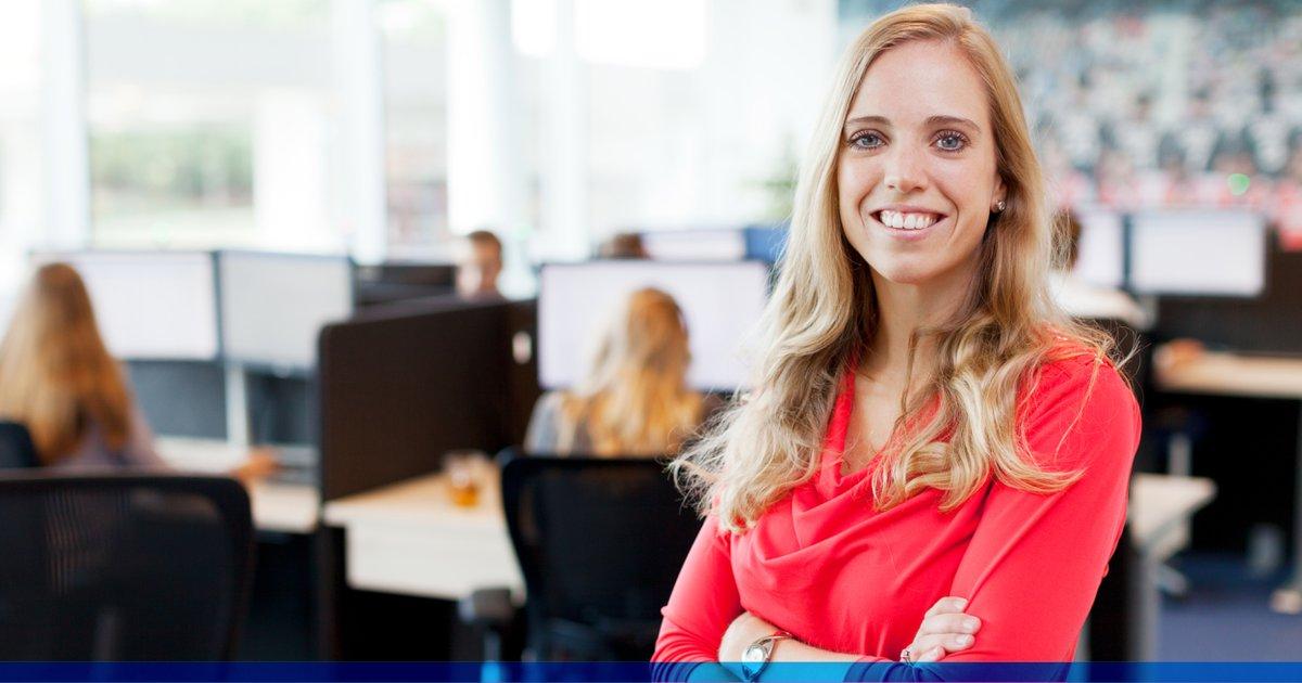 VACATURE: Ben jij een young professional en op zoek naar een toffe baan als sales? Solliciteer dan voor het Sales Traineeship bij AFAS. PS: Ken jij iemand die dit moet weten? Tag haar/hem in de comments! https://t.co/5A6bfXimmJ https://t.co/hKxvQLwNUA