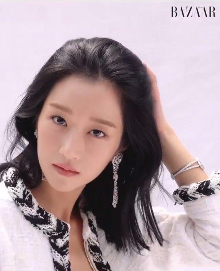 Her duality is INSANE.  #SeoYeaJi #서예지 #CameliaCollection #CHANEL #HARPERSBAZAAR