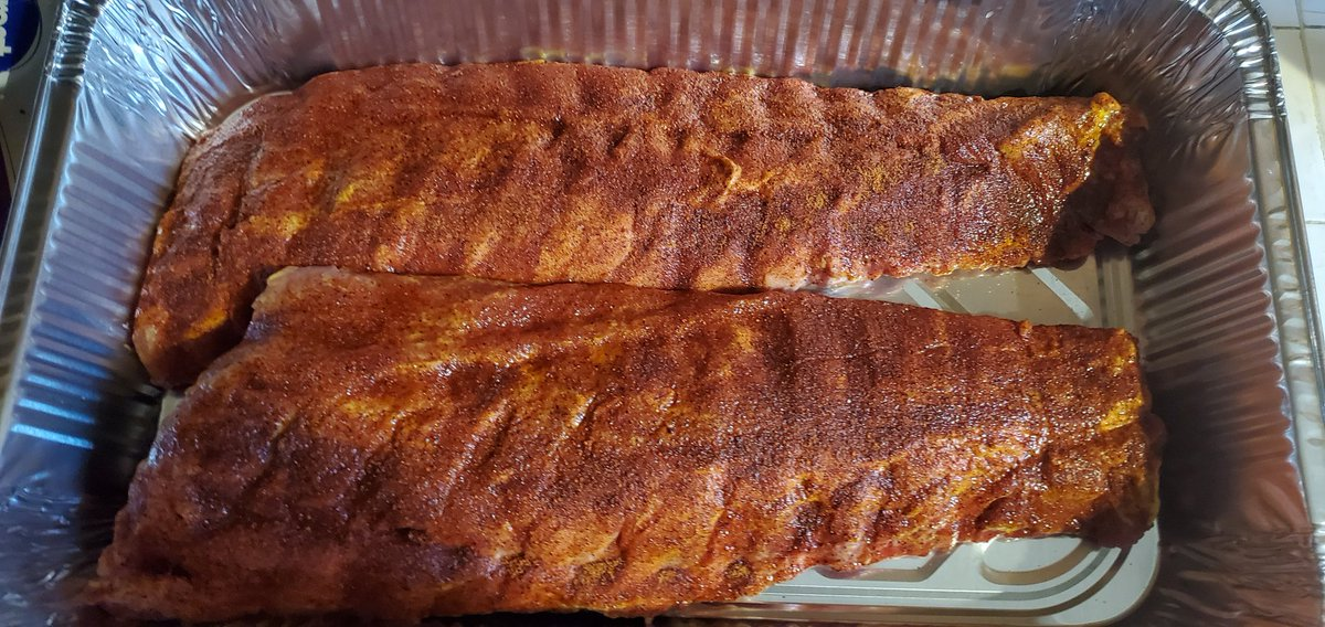 Good Morning!! Starting the day off with these Baby backs on The Pit!!! Have a great day! #SmokeEverything #ManFireFood https://t.co/dMiCFtMbIy