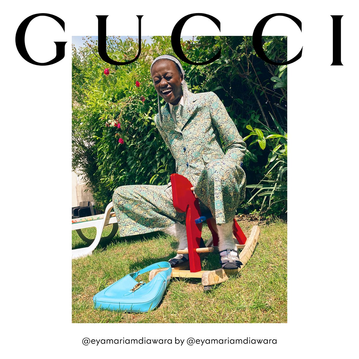 Forging a campaign from a different point of view, where the clothes travel to the houses of the cast, #GucciTheRitual is a lineup of images and videos created by the models. Seen here is #EyaMariamDiawara in a self-portrait with the #GucciJackie bag. https://t.co/Hq6G7EQZig https://t.co/PkZOFmLU5x